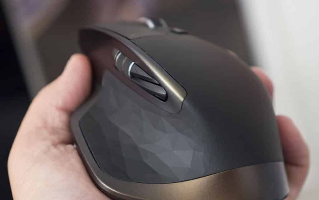 Detalle mouse logitech